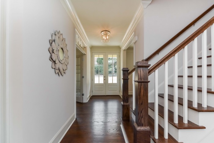 007-Foyer-2424983-large